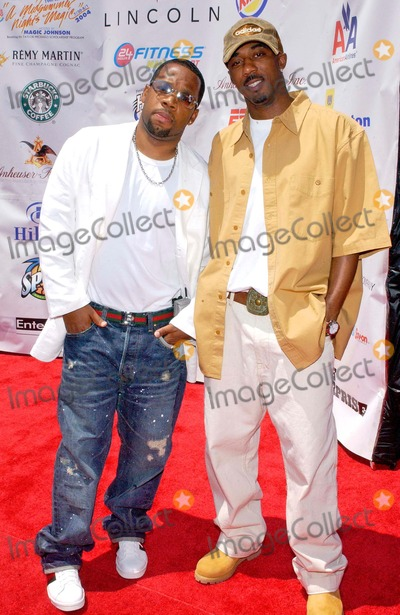 "Michael Bivins, Ralph Tresvant Photo - Lincoln Presents 19th Annual ""a Midsummer Night's Magic"" Celebrity/all-star Basketball Game at the Forum in Inglewood, California 08/01/2004 Photo by Valerie Goodloe/Globe Photos, Inc. 2004 Ralph Tresvant, Michael Bivins and His Son"