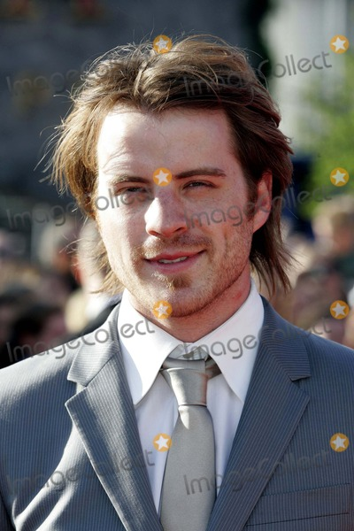 Photos And Pictures Robert Kazinsky Actor The Chronicles Of Narnia
