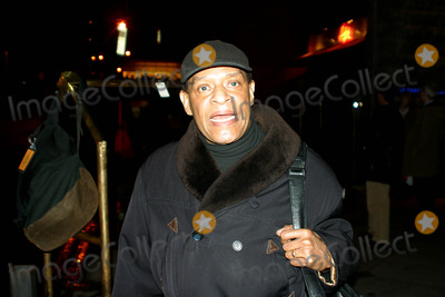 Al Jarreau Photo - Sd030221 AL Jarreau Out and About on 59th St, New York City Photo:rick Mackler/ Rangefinders/ /Globe Photos Inc