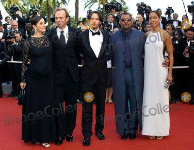 Carrie Ann Moss, Carrie-Ann Moss, Hugo Weaving, Keanu Reeves, Carrie Anne Moss, Carrie Anne Moss, Carrie-Anne Moss, Laurence Fishbourne Photo - Cosima Scavolini/lapresse/Globe Photos Inc 05/15/03, Cannes, France the 56 Festival of Cinema the Second Soiree': the Presentation of the Film Matrix in the Photo: Carrie Ann Moss, Hugo Weaving, Keanu Reeves, Laurence Fishbourne with His Wife