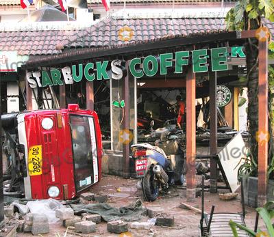 Photo - Station DE Patong a Phuket Le 12-27-2004 Photo by O.medias-helicam-asia-Globe Photos K40968 Starbucksthailand