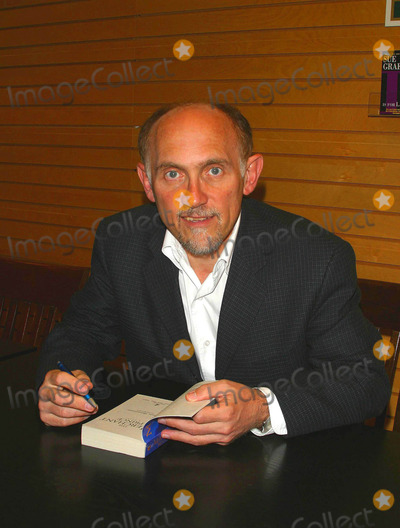 Armin Shimerman, Prince Photo - Star Trek Star Armin Shimerman and Author of His New Book the Merchant Prince - Barnes & Noble Westside Pavilion, Los Angeles, CA - 06/14/2003 Photo by Milan Ryba / Globe Photos Inc 2003 Armin Shimerman
