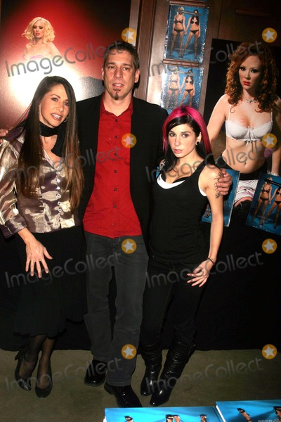 """Alexandra Silk, Joanna Angel, Michael Bublé, Michael Paré Photo - BOOK RELEASE PARTY IS HELD FOR MICHAEL GRECCO'S """"NAKED AMBITION: AN R-RATED LOOK AT AN X-RATED INDUSTRY"""" AT RIZZOLI  BOOK STOREWEST 67TH STREET      11-27-2007PHOTOS BY RICK MACKLER RANGEFINDER-GLOBE PHOTOS INC.2007ALEXANDRA SILK,  MICHAEL GRECCO AND JOANNA ANGEL.K55713RM"""
