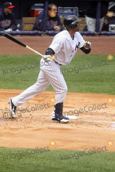 Andrew Jones Photo - Andrew Jones at Yankees Vs Minnesota Twins Game at Yankee Stadium, Bronx, New York 04-07-2011 Photo by John Barrett/Globe Photos, Inc.