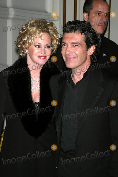 Antonio Banderas, Melanie Griffith, Melanie Griffiths Photo - Singin' in the Rain Forest After-party at the Pierre Hotel , New York City 04/21/2004 Photo by John Barrett/Globe Photos,inc. Antonio Banderas_melanie Griffith