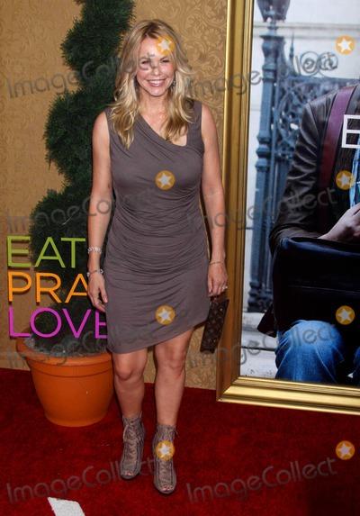 Andrea Roth, Arlene Tur Photo - Arlene Tur at World Premiere Of''eat Pray Love'' at Ziegfeld Theater , NYC. 08-10-2010 Photo by John Barrett/Globe Photos, Inc.2010 Andrea Roth
