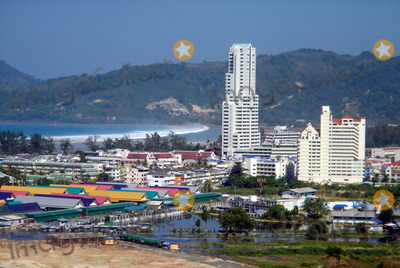 Photo - Arrivee DE LA Vague Du Tsunami a Phuket Le 12-27-2004 Photo by O.medias-helicam-asia-Globe Photos K40968 Thailand