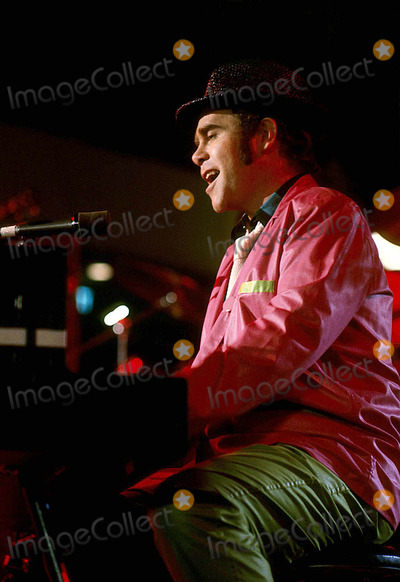 Elton John Photo - Elton John 1979 #11170 Photo by Jim Selby-ipol-Globe Photos, Inc.