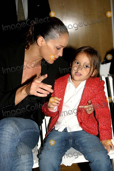 Ines Rivero, Alvin Valley Photo - Ines Rivero and Daughter Maya at the Alvin Valley Spring 2005 Collection at the Metropolitan Pavillion in New York City 9/9/2004 Photo By:barry Talesnick/ipol/Globe Photos, Inc