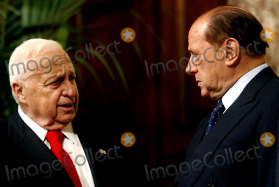 Ariel Sharon Photo - Rome Israelian Prime Minister in Italy Pic Show: Prime Minister Silvio Berlusconi , and Ariel Sharon 11/18/2003 Photo By:mauro Scrobogna/lapresse/Globe Photos, Inc 2003
