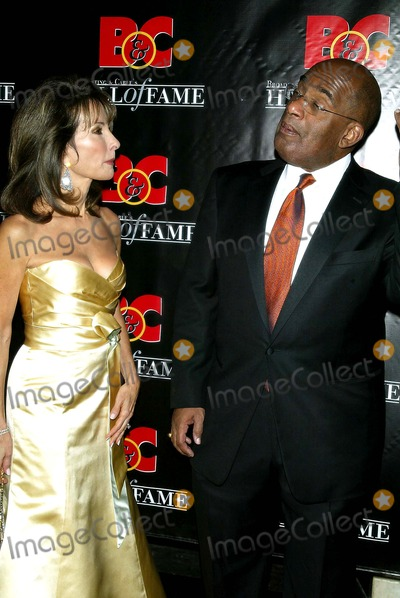 Al Roker, Susan Lucci Photo - Susan Lucci and Al Roker Arrive For the 16th Annual Broadcasting & Cable Hall of Fame Awards Dinner at the Waldorf Astoria in New York on October 23, 2006. Lcv/Globe Photos, Inc.