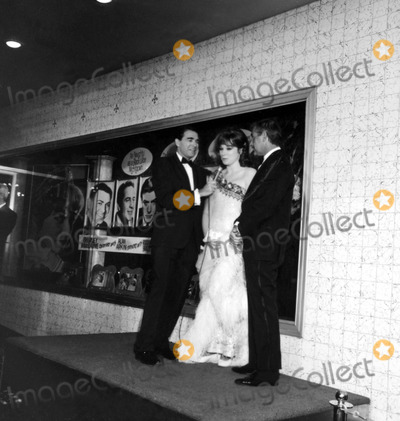 Army Archerd, Shirley Maclaine, Steve Parker Photo - Army Archerd, Shirley Maclaine and Steve Parker #c927-1c Nate Cutler/Globe Photos, Inc.