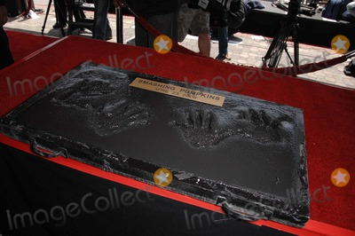 Billy Corgan, Jimmy Chamberlin, Smashing Pumpkins, The Smashing Pumpkins Photo - Billy Corgan and Jimmy Chamberlin Handprints During the Induction Ceremony For the Smashing Pumpkins Into Hollywood's Rockwalk, on April 23, 2008, in Los Angeles. Photo by Michael Germana-Globe Photos