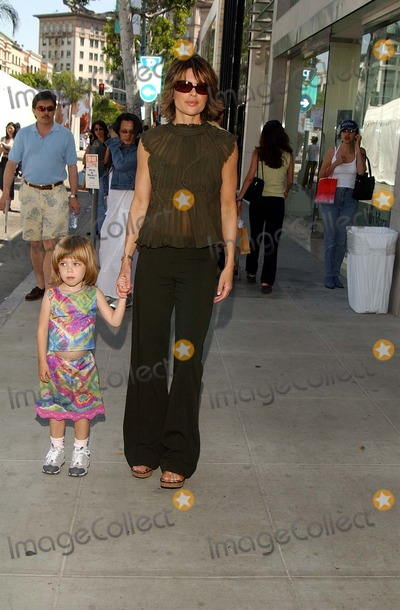 Lisa Rinna, Alberta Ferretti Photo - : Vogue Takes Beverly Hills Rodeo Drive Grand Finale Celebration Rodeo Drive, Beverly Hills, CA 04/21/2002 Photo by Amy Graves/Globe Photos,inc2002 (D) Lisa Rinna Wearing Alberta Ferretti Design and Daughter Lila