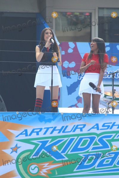 Arthur Ash, ASH, Billie Jean King, Billy Jean King, China McClain, Madison Beer Photo - L-r Madison Beer China Mcclain Attend 2014 Arthur Ashe Kids Day at Usta Billie Jean King National Tennis Center on 8/23/2014 in Flushing