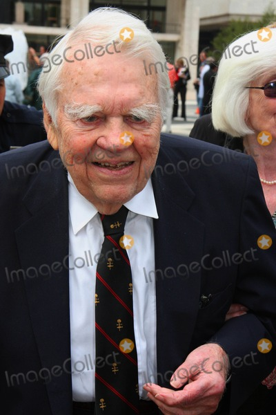 Andy Rooney, Rooney, Walter Cronkite Photo - Memorial Service For Walter Cronkite at Lincoln Center in New York City 09-09-2009 Photo by William Regan- Globe Photos Inc.2009 Andy Rooney