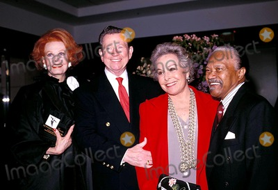 Donald O'Connor, Arlene Dahl, Group Shot Photo - Sd0521 Tribute to Donald O'connor. Arlene Dahl, Donald O'connor, and Harry Nichlolas Photo:paul Schmulbach / Globe Photos Inc Donaldo'connorretro