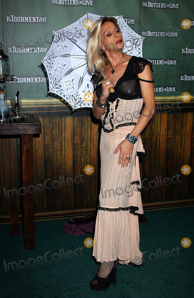 """Alexis Arquette Photo - the Premiere of """"Butlers in Love"""" . Hollywood CA 06-23-2008 Photo by Phil Roach-ipol-Globe Photos Alexis Arquette"""