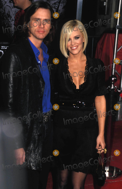 "Jim Carrey, Jenny McCarthy Photo - the Number 23"" Los Angeles Premiere the Orpheum Theatre, Downtown Los Angeles, CA 02-13-2007 Photo by Phil Roach-ipol-Globe Photos 2007 Jim Carrey and Jenny Mccarthy"