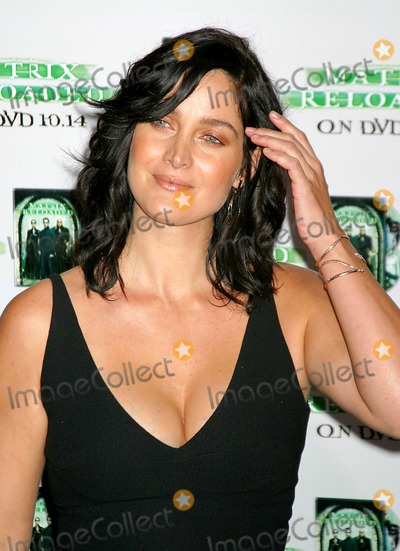 Carrie Anne Moss, Carrie Anne Moss, Carrie-Anne Moss, The Matrix, Carrie Ann Moss, Carrie-Ann Moss Photo - the Matrix Reloaded - Dvd Launch Party at Mortons, West Hollywood, CA 10/08/2003 Photo by Clinton H. Wallace / Ipol / Globe Photos Inc. 2003 Carrie-anne Moss