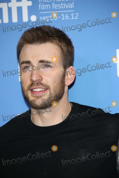 """Chris Evans Photo - Actor Chris Evans Poses Before the Press Conference of """"Iceman"""" During the Toronto International Film Festival at Bell Lightbox in Toronto, Canada, on 10 September 2012. Photo: Alec Michael Photo by Alec Michael-Globe Photos"""