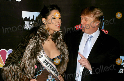 Amelia Vega, Donald Trump, MISS UNIVERSE Photo - the Apprentice Takes Over the Planet!! Donald Trump and Former Contestants to Attend Viewing Party at Planet Hollywood in New York City 1/29/2004 Photo By:rick Mackler/rangefinders/Globe Photos, Inc 2004 Miss Universe Amelia Vega and Donald Trump