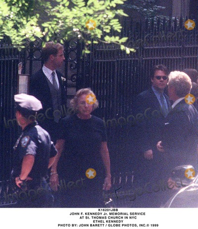 Photos and Pictures - John F  Kennedy Jr  Memorial Service