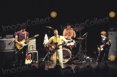 Talking Heads Photo - Talking Heads 1978 Photo by Globe Photos
