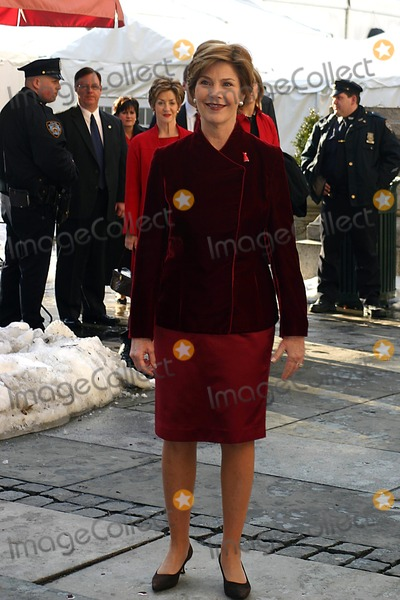 Laura Bush Photo - Celbrity Departures From the Olympus Fashion Week Fall 2005 Held at Bryant Park, New York City 02-04-2005 Photo: William Regan-Globe Photos Inc. 2005 Laura Bush