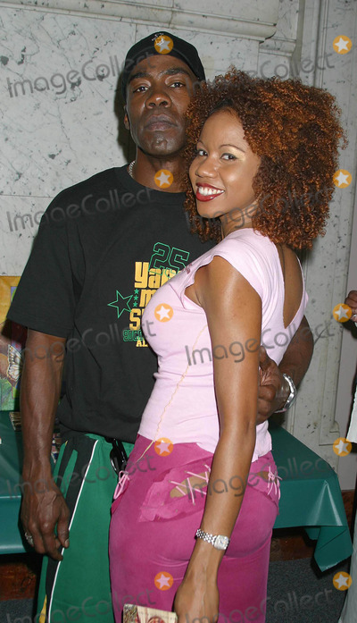 Natasha Budhi, Paul Campbell Photo - I8054CHWTHE TASTE OF JAMAICA: PRESENTED BY THE CONSULATE OF JAMAICA.  A SHOWCASE AND CELEBRATION OF JAMAICA'S RICH CULTURAL HERITAGELOS ANGELES THEATER CENTER, LOS ANGELES, CA 10/12/2003 PHOTO BY CLINTON H WALLACE/ GLOBE PHOTOS INC.  2003NATASHA BUDHI AND PAUL CAMPBELL