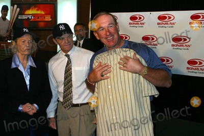 Gary Carter, Babe Ruth Photo - Donruss Trading Cards to Unveil Plans For the 1925 Game Worn Babe Ruth Jersey New York City 10/20/2003 Photo by Rick Mackler/rangefinders/Globe Photos Inc Gary Carter with Jersey