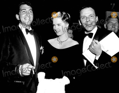Frank Sinatra, Dean Martin, Martha Hyer Photo - Frank Sinatra with Dean Martin and Martha Hyer 1964 #3531 Photo by Ipol Archive-ipol-Globe Photos, Inc.