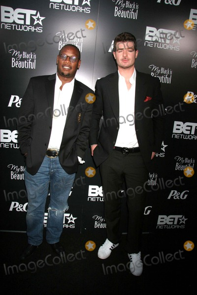 """Andre Harrell, Robin Thicke Photo - Bet Networks Host First-annual""""my Black Is Beautiful"""" Pre-bet Awards Dinner and Party Boulevard3, Hollywood, CA 06-25-07 Robin Thicke and Andre Harrell Photo: Clinton H. Wallace-photomundo-Globe Photos Inc"""