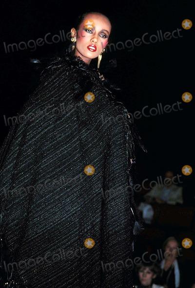 Iman Photo - Iman at Aollbracht Fashion Show 1981 #K27969rhart Photo by Rose Hartman-Globe Photos, Inc.