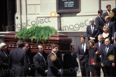 Photos and pictures 05301994 jacqueline bouvier kennedy onassis jackie onassis caroline kennedy caroline kennedy schlossberg jacqueline bouvier jacqueline bouvier kennedy altavistaventures Gallery