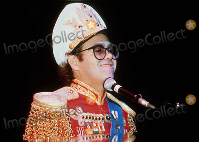 Elton John Photo - Elton John 10-31-1982 Photo by Action Press-ipol-Globe Photos, Inc.