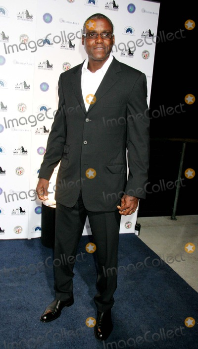 Carl Lewis, Galactic Photo - Griffith Observatory Re-opening Galactic Gala the Griffith Observatory, Los Angeles, CA 10-29-2006 Carl Lewis Photo: Clinton H. Wallace-photomundo-Globe Photos Inc