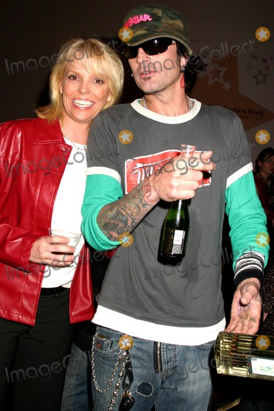 Jamie White, Sheri Bodell, Tommy Lee Photo - Sheri Bodell Spring 2006 Collection - Vip Afterparty Mercedes-benz Spring 2006 LA Fashion Week Smashbox Studios, Culver City, CA 10-20-2005 Photo: Clinton.h.wallace-photomundo-Globe Photos Inc Tommy Lee and Jamie White