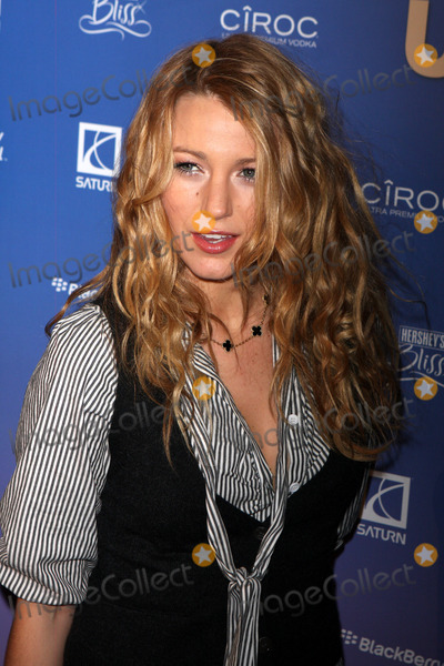 Blake Lively Photo - -21-08 Blake Lively Us Weekley Celebrates Hot Hollywood at Skylight 275 Husdon Photos by John Barrett-Globe Photos,inc