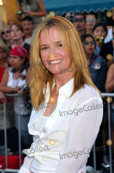 Lea Thompson Photo - - Pirates of the Carribean : the Curse of the Black Pearl - World Premiere - Disneyland, Anaheim, CA - 06/28/2003 - Photo by Ed Geller / E.g.i. / Globe Photos Inc. 2003 - Lea Thompson