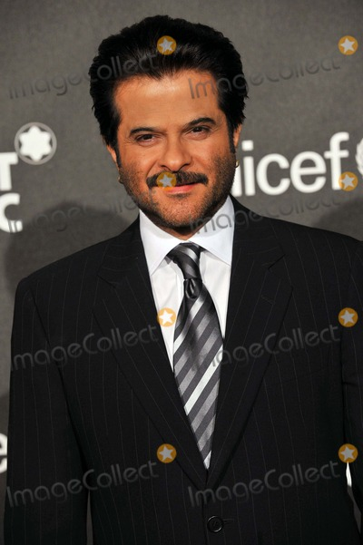 """Anil Kapoor Photo - Anil Kapoor Arrives During the """"Montblanc Signature For Good"""" Charity Gala at Paramount Studios in Los Angeles, USA, on February 20th, 2009. Photo by Alec Michael-Globe Photos, Inc. 2009"""