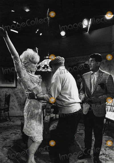 Dean Martin, Billy Wilder, Kim Novak, Kiss Photo - Billy Wilder Directs Kim Novak and Dean Martin in Kiss ME, Stupid Photo: Winson Muldrow/Globe Photos Inc