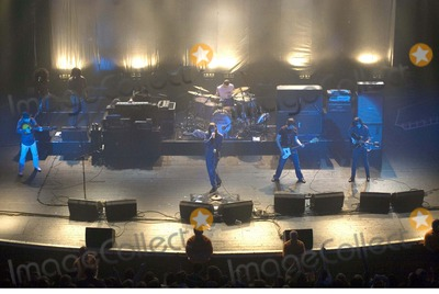 Bobby Gillespie, Primal Scream, Bobbie Gillespie Photo - Chris Aubrey-richfoto-Globe Photos, Inc.12-01-2006 001822 Bobby Gillespie Primal Scream-live Concert-brixton Academy, Brixton, London, United Kingdom. X
