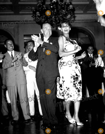 Sophia Loren Photo - Sophia Loren Supplied by Globe Photos, Inc. Sophialorenretro