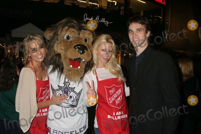 Aubrie Lemon, Johnny Grant, Luc Robitaille, Patricia Kara, LA Kings Photo - I12463CHW