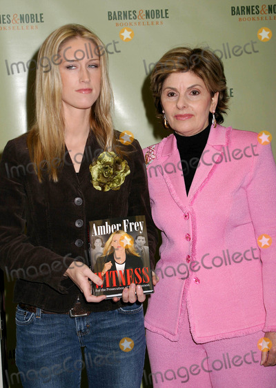 """Gloria Allred, AMBER FREY Photo - Amber Frey Signs Copies of Her Book """"Witness For the Prosecution"""" at Barnes and Noble , New York City 01-10-2005 Photo by Paul Schmulbach-Globe Photos,inc. Amber Frey and Lawyer Gloria Allred"""