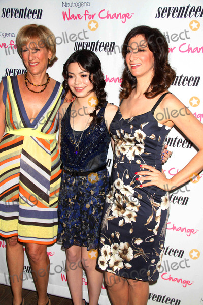 Miranda Cosgrove, Ann Shoket, Jayne Jamison, Mondrian Hotel Photo - Jayne jamison,miranda cosgrove,ann Shoket at Seventeen magazine's five''pretty Amazing'' Real Girl Finalists Luncheon at Mondrian Hotel S0ho 6-25-11 photo by John barrett/globe Photos, inc.2011