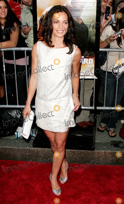 "Johanna Black, John B Photo - ""Live Free or Die Hard"" New York City Premiere - Outside Arrivals Radio City Music Hall-nyc-6/22/07 Johanna Black Photo by: John B. Zissel-ipol-Globe Photos, Inc 2007"