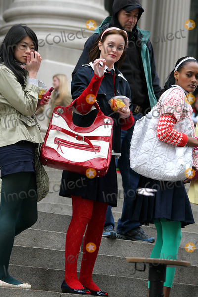 Leighton Meester, Nan Zhang, Nicole Fiscella Photo - On the Set of ''Gossip Girls'' Outside of Metropolitan Museum of Art 82st and 5ave Photos by John Barrett-Globe Photos,inc ,Leighton Meester,nan Zhang,nicole Fiscella