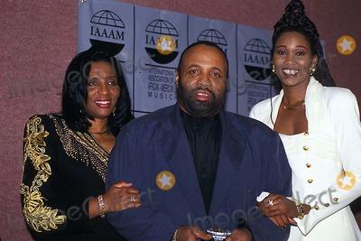 Andre Crouch, Yolanda Adams Photo - Iaaam Foundation 06/03/1994 Photo: James M Kelly/ Globe Photos Inc. 1994 Sandra with Andre Crouch and Yolanda Adams Harpo